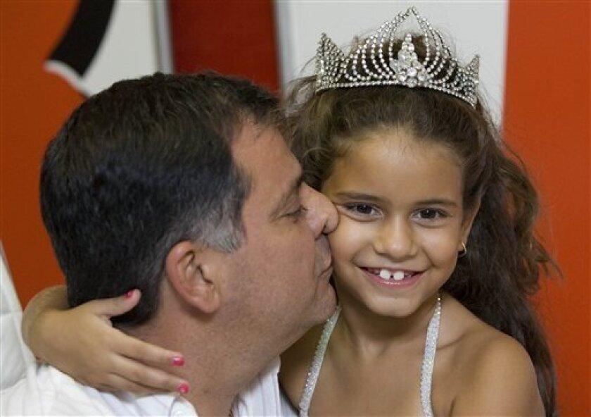 Judge: 7-Yr.-Old Can Samba in Rio Carnival - CBS News