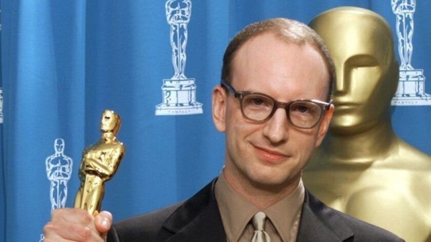 "Director Steven Soderbergh shows off the Best Director Oscar he won for the movie ""Traffic"" at the 73rd annual Academy Awards."