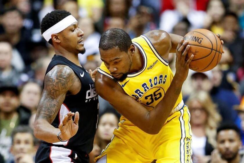 120-118. Durant y Cousins dan forma a la victoria de los Warriors