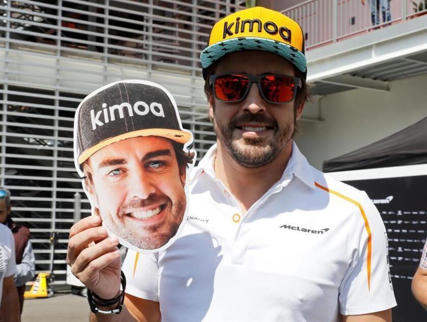 El piloto español Fernando Alonso (McLaren) participa hoy, jueves 25 de octubre de 2018, en una rueda de prensa conjunta en el Autódromo Hermanos Rodríguez en Ciudad de México (México). EFE