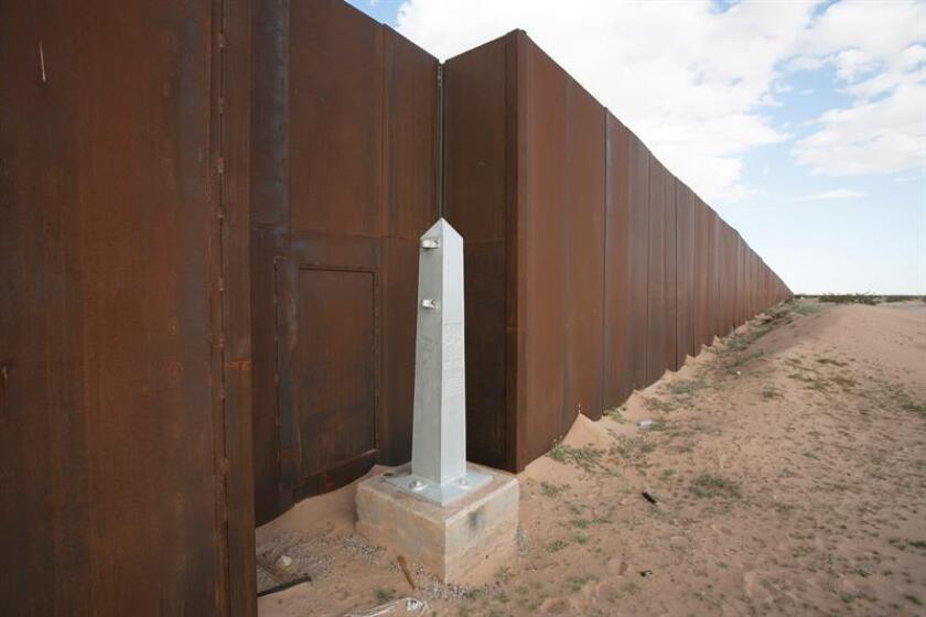 Fotografía cedida hoy, miércoles 25 de julio de 2018, por la Universidad Autónoma Metropolitana (UAM), que muestra una parte del muro fronterizo con EE.UU. en la ciudad de Tijuana, Baja California (México). EFE/UAM/SOLO USO EDITORIAL