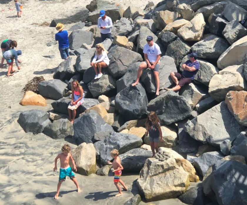 Sunday's high temperature reached 71 degrees in Oceanside Harbor. The temperature will increase through Wednesday as a high pressure system settles in.