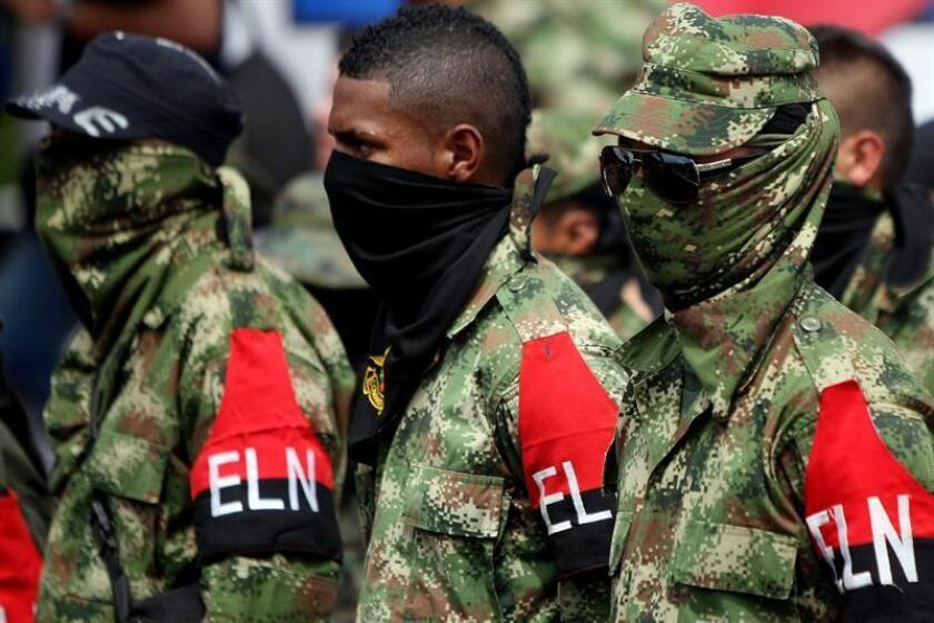 """Sobre el ELN, también dice que los enfrentamientos con los grupos herederos del paramilitarismo, el mayor de los cuales es el denominado Clan del Golfo, así como con la fuerza pública pusieron """"en grave peligro"""" a indígenas y afrodescendientes. EFE/Archivo"""