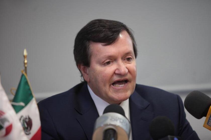 La Cámara de Comercio Americana en México exhortó hoy al diálogo y a la unidad ante la coyuntura actual y la política del nuevo gobierno de Estados Unidos, y pidió que no se hagan llamados a boicot de firmas de EE.UU. en México, pues son grandes generadoras de empleo formal. EFE/ARCHIVO