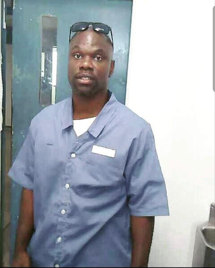 Ian Manuel à l'établissement correctionnel Dade en 2016, quelques mois avant sa libération.  39 ans.