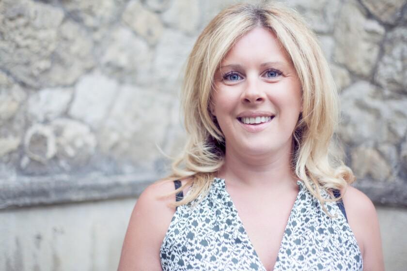 La experta británica en bienestar integral, Sarah Jones, cree que una vida feliz consiste en vivir cada día aceptando y siendo una persona agradecida.