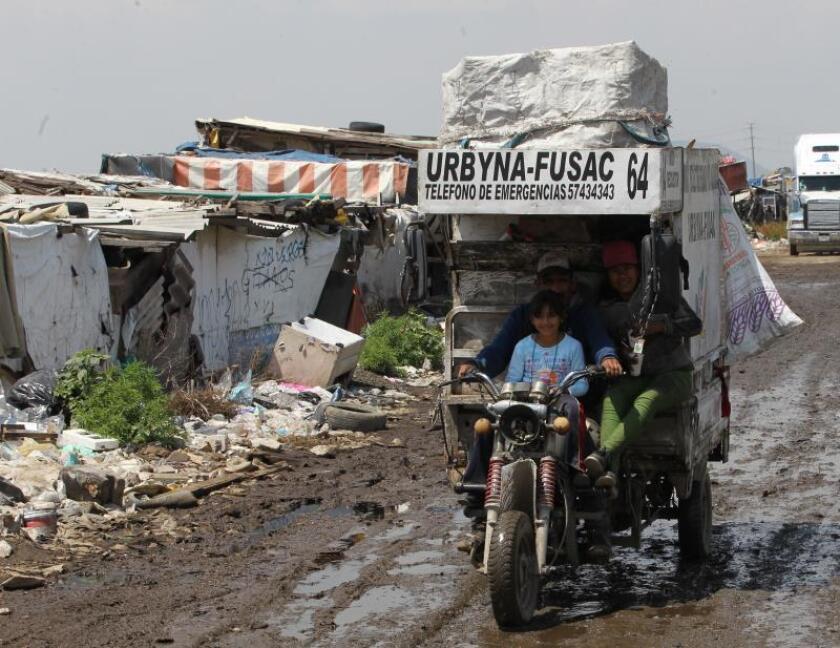 Reciclaje alivia la masiva cantidad de residuos en vertederos mexicanos