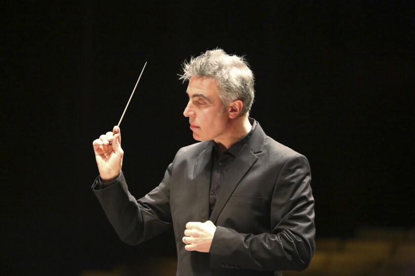 Pasadena Symphony's conductor David Lockington