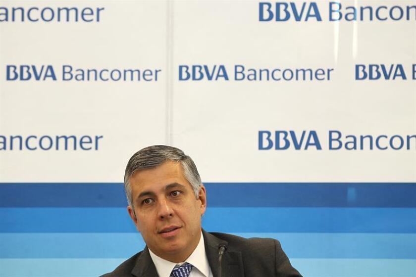 El economista jefe del Banco BBVA, Carlos Serrano, habla en una conferencia de prensa en Ciudad de México. EFE/Archivo