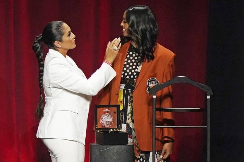 Vanessa Bryant presents daughter Natalia with Kobe Bryant's Hall of Fame jacket