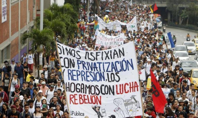 Hundreds of people participate in a demonstration in Medellin, Colombia, Nov. 15, 2018. EPA-EFE/Luis Eduardo Noriega A.