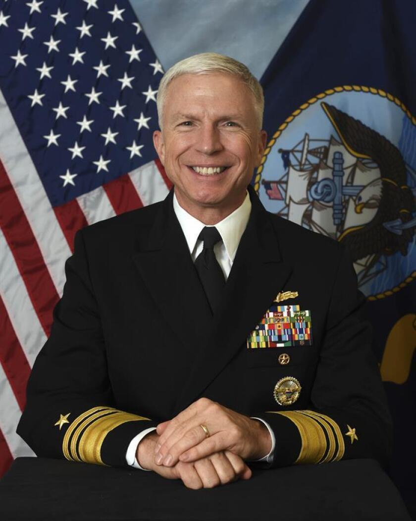 Fotografía cedida por la Marina de los Estados Unidos (US Navy), donde aparece el almirante Craig S. Faller quien asumió hoy, lunes 26 de noviembre de 2018, como nuevo jefe del Comando Sur (SOUTHCOM) de EE.UU., en una ceremonia en la sede central de esa institución en el condado de Miami-Dade a la que asistió el secretario de Defensa, John Mattis. EFE/US Navy/SOLO USO EDITORIAL/NO VENTAS