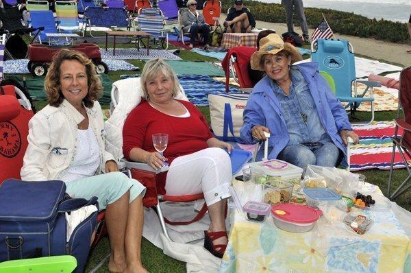 Lia Strell, Christine Douheret, Joyce Golden Seyburn