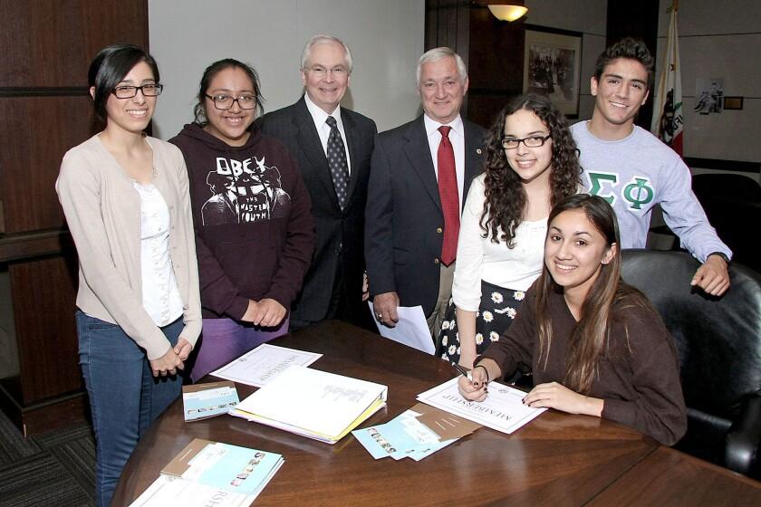Community: Kiwanis sponsors college group
