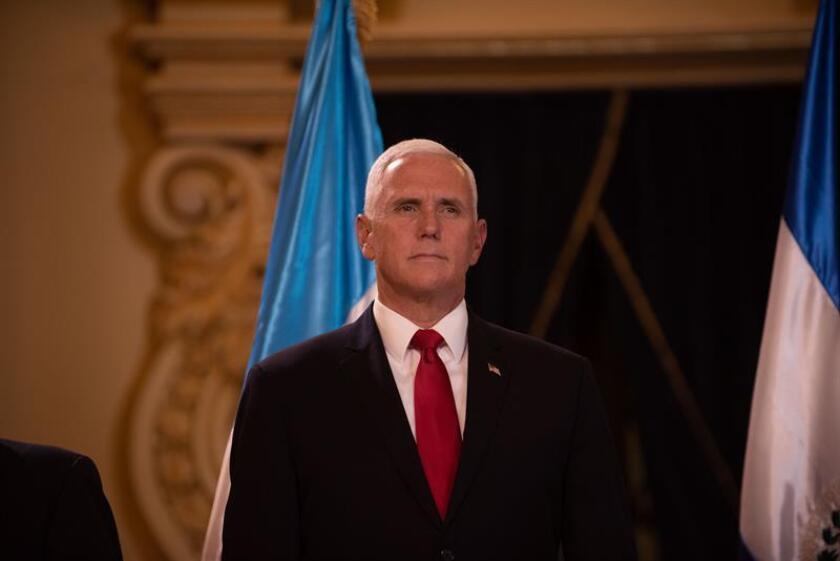 """El vicepresidente, Mike Pence, aseguró hoy que la violencia en Nicaragua """"patrocinada por el Estado"""" es """"innegable"""" y acusó al Gobierno del presidente Daniel Ortega de ser responsable de la muerte de más de 350 personas en la ola de protestas que sacude el país desde abril. EFE/ARCHIVO"""