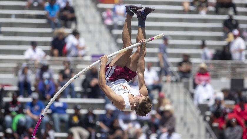 La Ca?ada's David Miketta competes in the Divsion 3 pole vault during the CIF Southern Section track