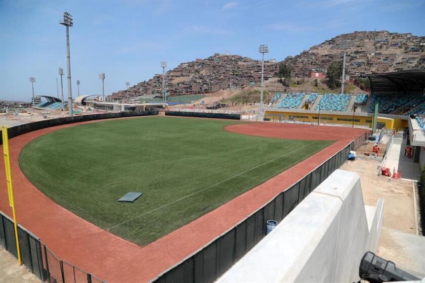 Vista general del futuro estadio de Sóftbol en el complejo deportivo Andrés Avelino Cáceres este jueves, en el distrito de Villa María del Triunfo, en Lima (Perú). EFE