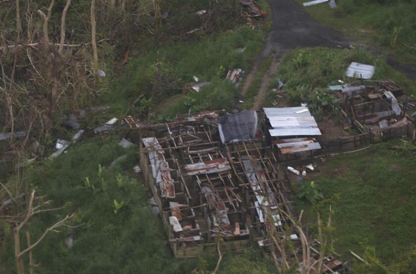 Vista aérea de la población Las Piedras (Puerto Rico) dañada por el paso del huracán María. EFE/Archivo