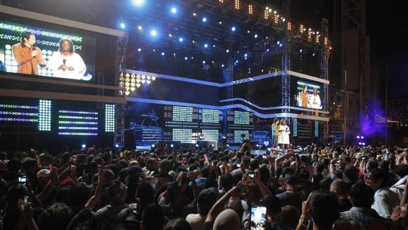 pac-sddsd-people-crowd-the-stage-during-20160819