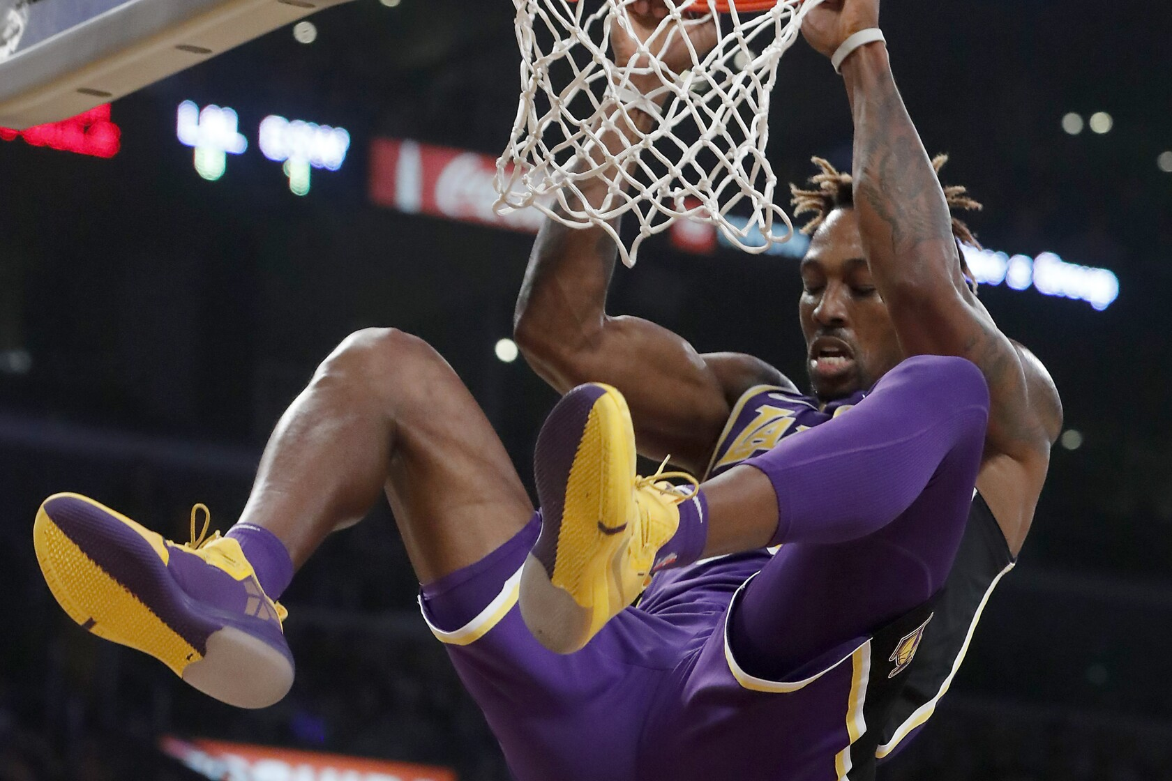 Lakers continue their hot start in dominant win over injury-depleted Warriors