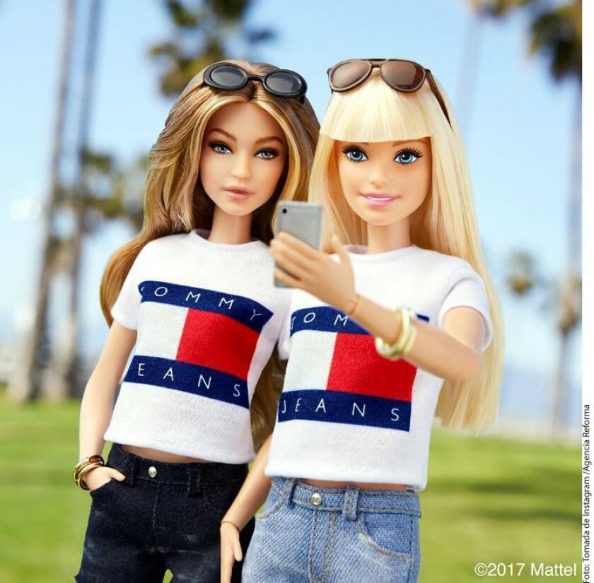Gigi Hadid presentó este miércoles su colección de ropa bajo la firma Tommy Hilfiger y con este motivo, Mattel decidió realizarle un homenaje ¡con su propia muñeca Barbie!