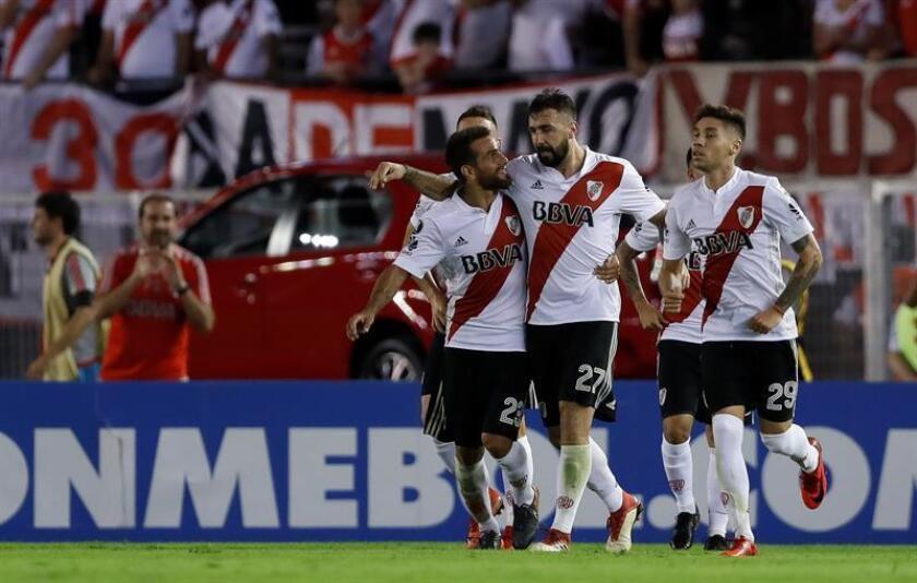 En la imagen, un registro de otra actuación de los jugadores de River Plate. EFE/Archivo