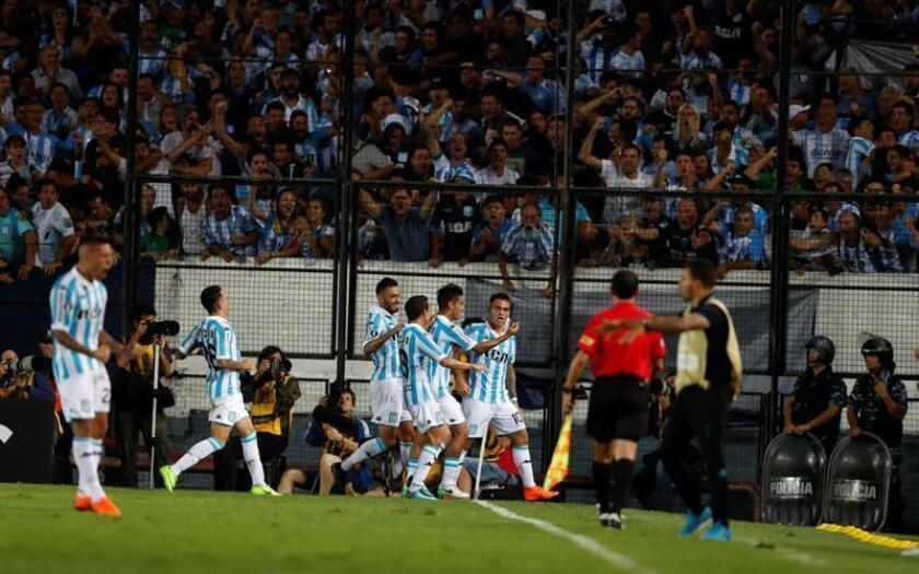 Un solitario gol de Darío Cvitanich le alcanzó a la 'Academia' para llegar a las 51 unidades, 6 más que su escolta, Defensa y Justicia, que este lunes visitará a Aldosivi en Mar del Plata. EFE/Archivo