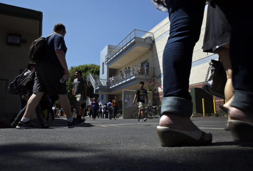 Estudiantes latinos en la mira de los colegios comunitarios de Los Ángeles