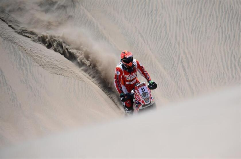 Motorcyclist Israel Borrell, seen practicing on the dunes of northern Peru and who will compete with the Spanish team there in the 2019 Dakar Rally, is almost unknown in his native land but enjoys a fame won in Peru, where he is the brilliant national champion of supercross. EFE-EPA/Sebastian Reyes/Courtesy Israel Borrell/File
