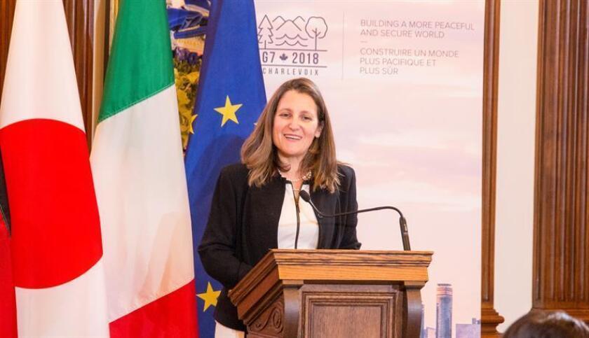 La ministra de Asuntos Exteriores de Canadá, Chrystia Freeland, participa en una reunión. EFE/Archivo