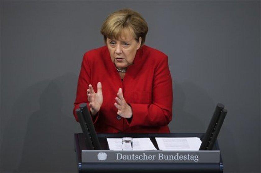 La canciller de Alemania, Angela Merkel, defendió el miércoles la gestión de su gobierno ante el flujo de migrantes que llegó al país el año pasado, pero reconoció que queda mucho por hacer y que las preocupaciones que han generado un aumento del apoyo a los partidos nacionalistas contrarios a la inmigración deben ser tomadas en serio.