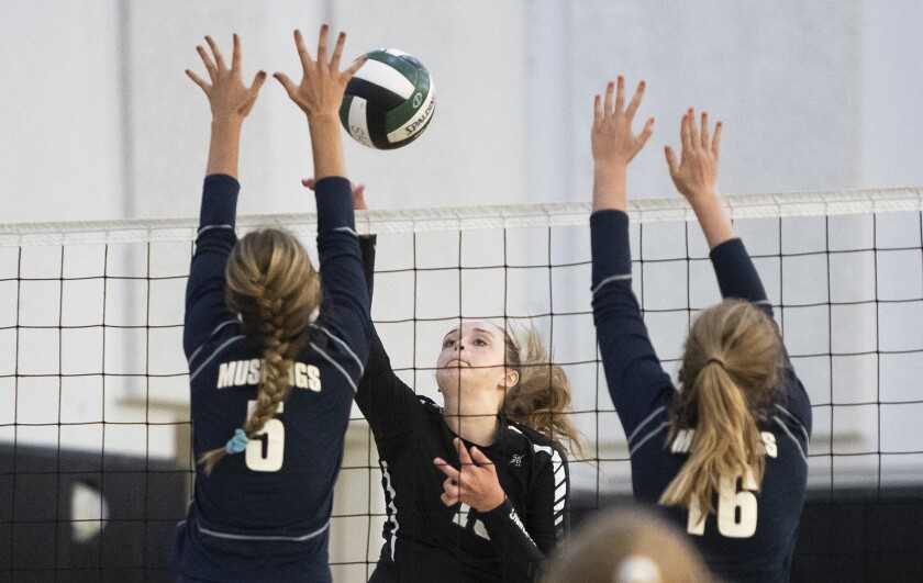 Photo gallery: Sage Hill vs. Trabuco Hills in girls' volleyball