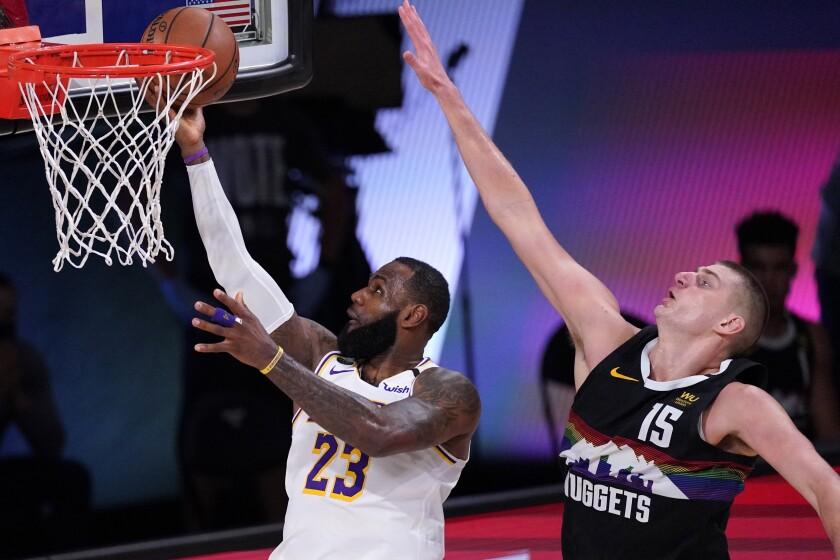 En foto del 22 de septiembre del 2020 LeBron James de Los Lakers de Los Ángeles