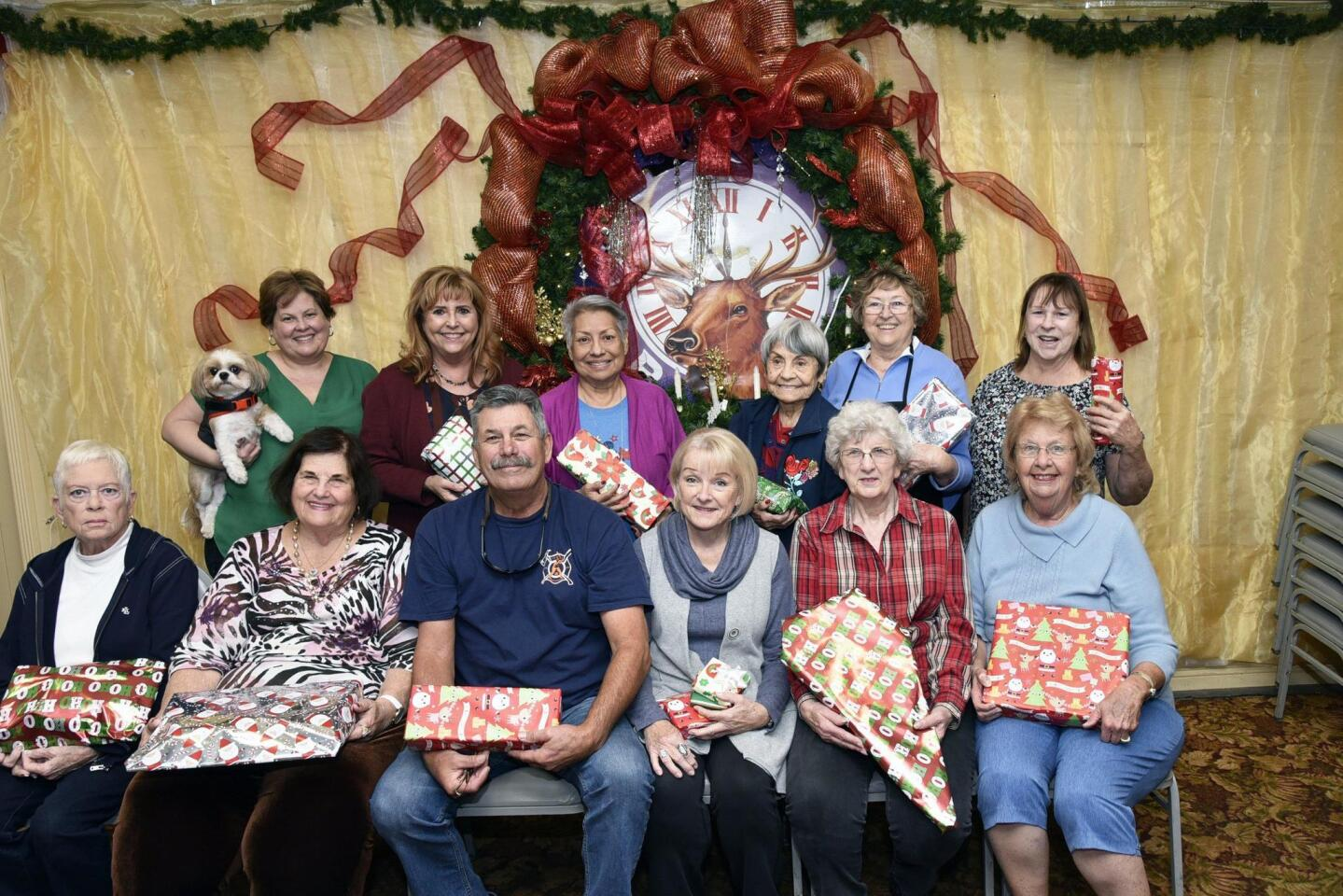 Elk volunteers who participated in wrapping gifts for veteran's families