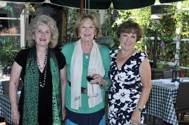 Jody Bray, Rosemary Nauert, Gerda Snell