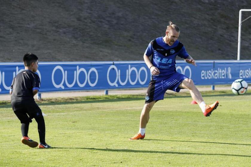 En la imagen, el delantero croata del Deportivo Alavés Aleksandar Katai. EFE/Archivo