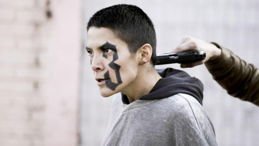 """María del Carmen Félix, durante el rodaje de la serie de televisión """"Enemigo íntimo""""."""