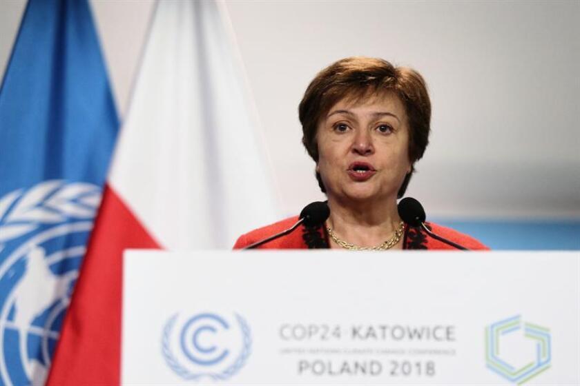 La directora del Banco Mundial, Kristalina Georgieva (c), pronuncia un discurso. EFE/Archivo