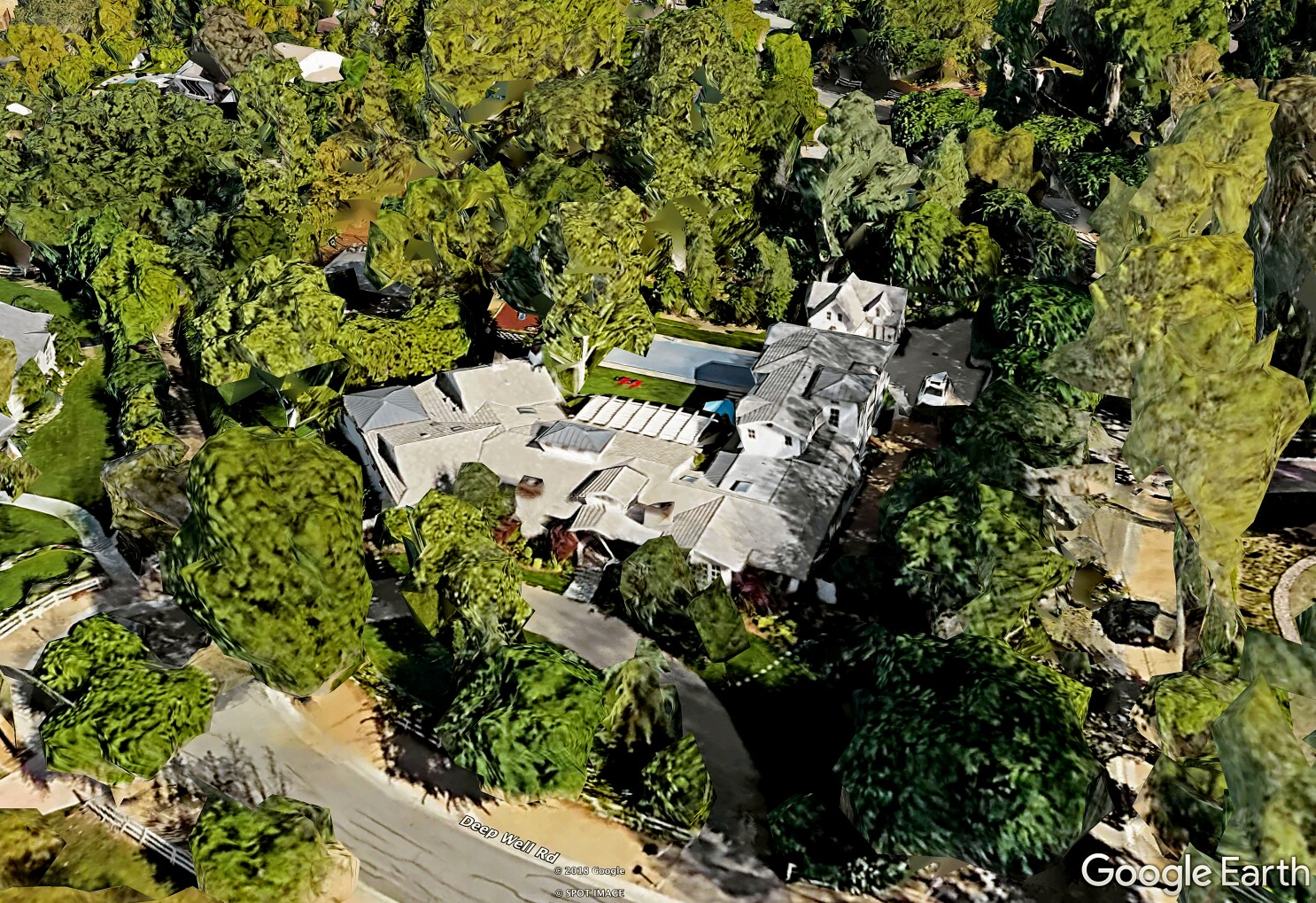 Hot Property: John Stamos joins the growing celebrity crowd in gated Hidden Hills