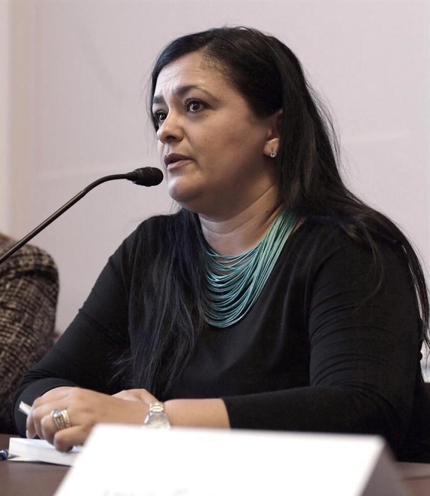 La hija del independentista boricua Oscar López Rivera, Clarissa López Ramos, habla durante una rueda de prensa. EFE/Archivo