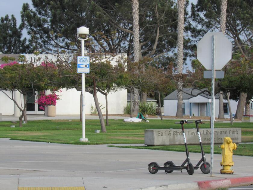 bird-scooters-at-library-20190307