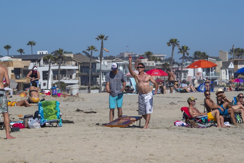 530535_la-me-heat-wave-beaches-oc_25_AJS.jpg
