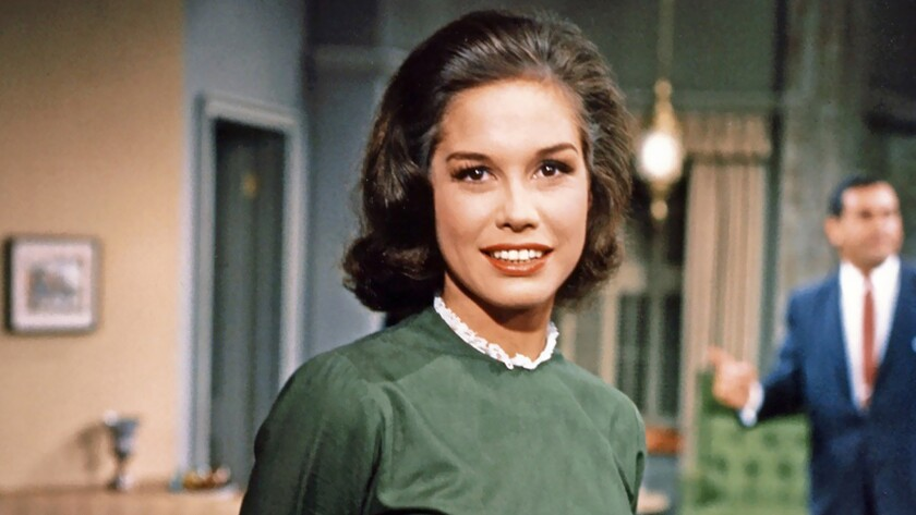 Actress Mary Tyler Moore Beloved Tv Icon Dies At 80 Los Angeles Times