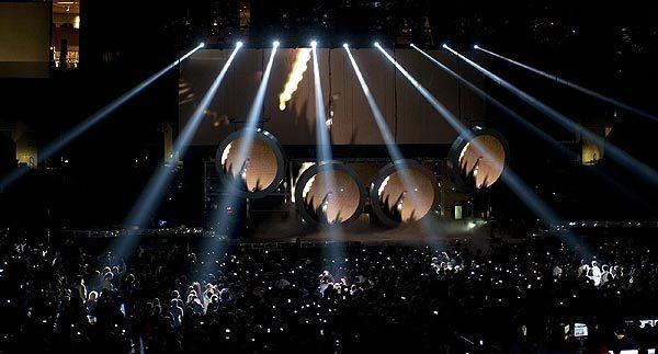 Rihanna live at Staples