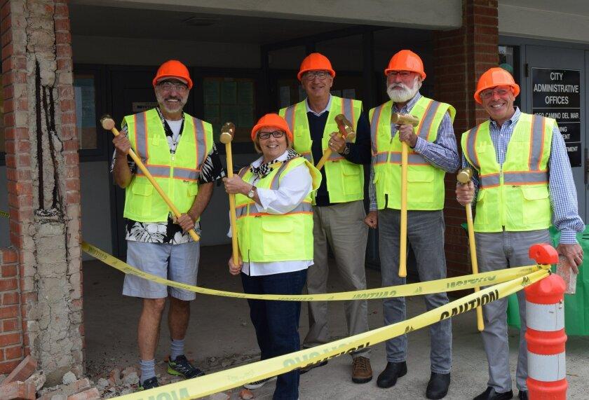 Councilman Dwight Worden, Mayor Sherryl Parks, Deputy Mayor Terry Sinnott, Councilman Don Mosier and Councilman Al Corti