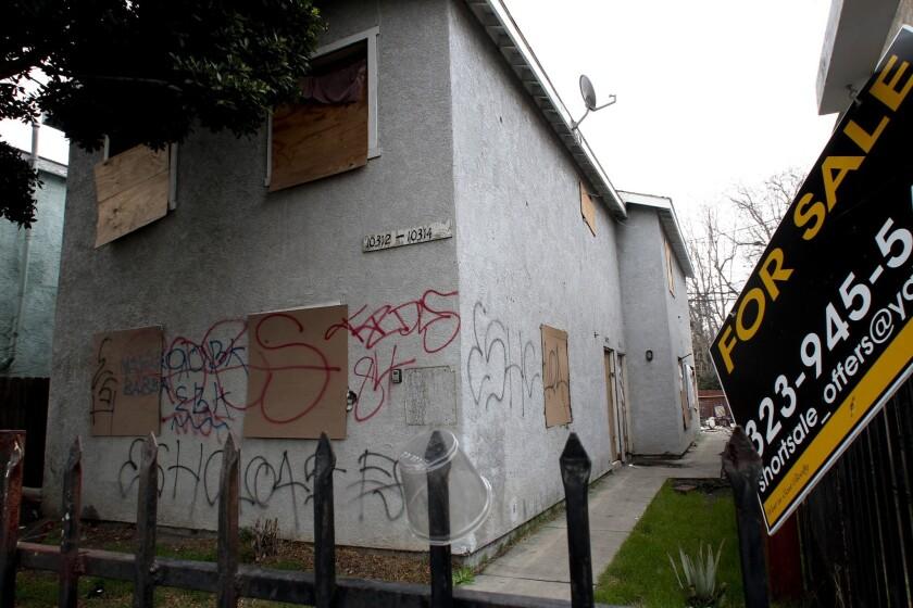 lat-foreclosure-registryno2-la0008171910-20130207