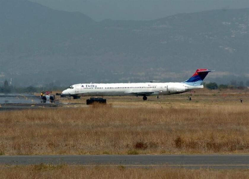 Vista general del avión comercial de Delta Airlines. EFE/Archivo