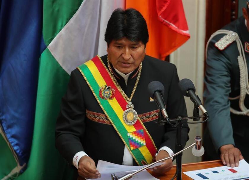 El presidente de Bolivia, Evo Morales, da un discurso ante el Parlamento del país, en el Día del Estado Plurinacional de Bolivia, en La Paz (Bolivia). EFE/Archivo