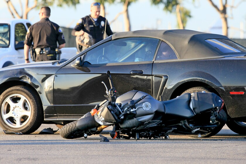 Motorcyclist killed in seven-vehicle accident - Los Angeles