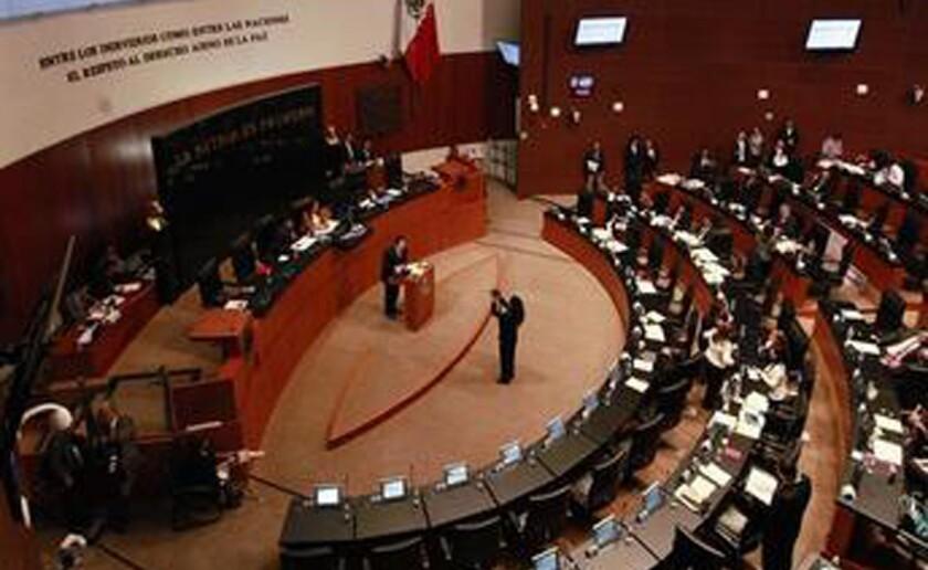 Vista del pleno de la cámara de senadores en Ciudad de México. EFE/Archivo